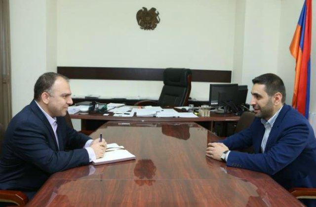 «Երևան, իմ սեր» հիմնադրամի տնօրենը քաղաքաշինության կոմիտեի նախագահին ներկայացրել է հիմնադրամի իրականացրած եւ ընթացիկ ծրագրերը