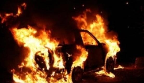 Գ. Չաուշի արձանի մոտ «Շևրոլե» է այրվել