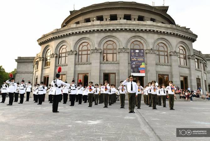 Երևանում կայացավ ՀՀ և Մեծ Բրիտանիայի պաշտպանության նախարարությունների նվագախմբերի համատեղ համերգը