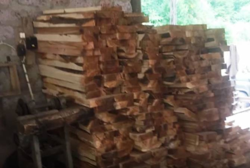 Ոստիկանները Գեղարքունիքում և Տավուշում ապօրինի փայտանյութով արտադրամասեր են հայտնաբերել