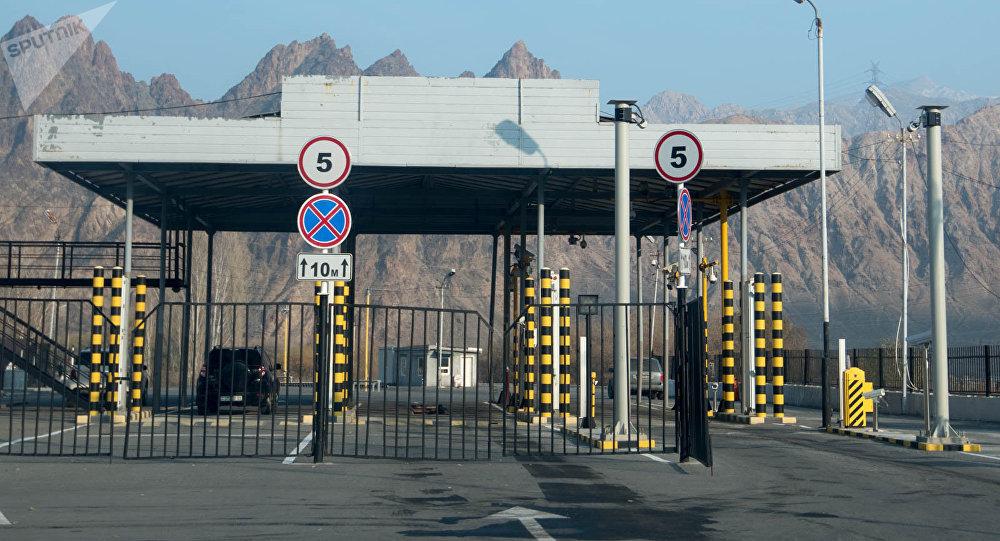 Ամոթալի է, որ Իրանից Հայաստան մուտք գործելու առաջին իսկ նեղլիկ դուռը փչացած է. Վարդան Ոսկանյան