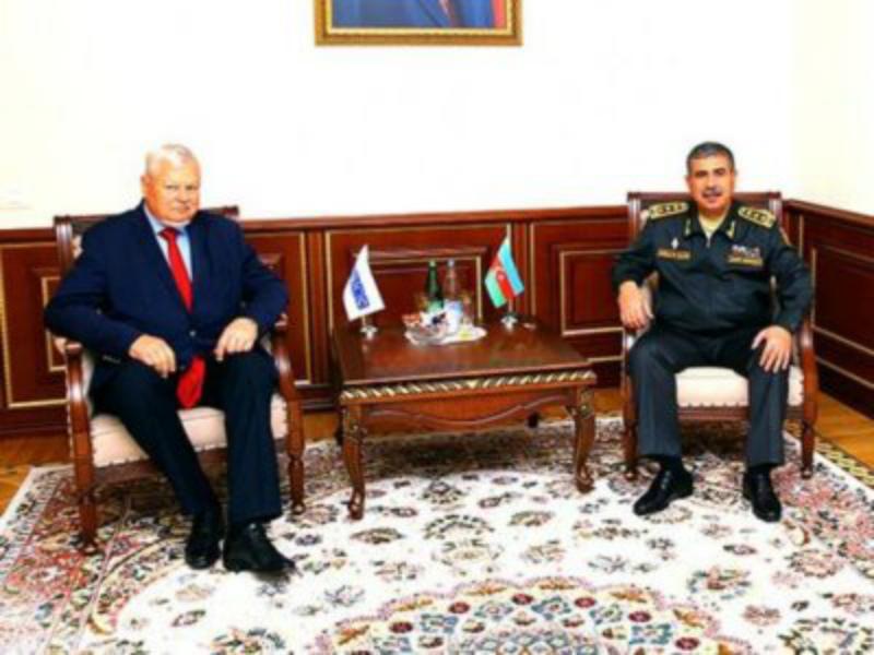 Անջեյ Կասպրշիկը հանդիպել է Ադրբեջանի պաշտպանության նախարարի հետ