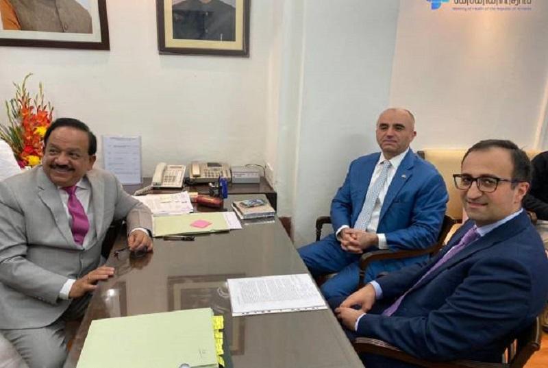 Արսեն Թորոսյանը հանդիպել է Հնդկաստանի առողջապահության նախարարին