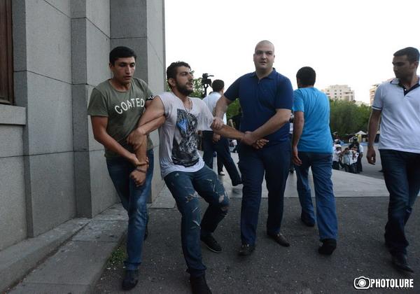 Սա ոստիկանության խայտառակությունն է. Մաքսիմ Սարգսյան