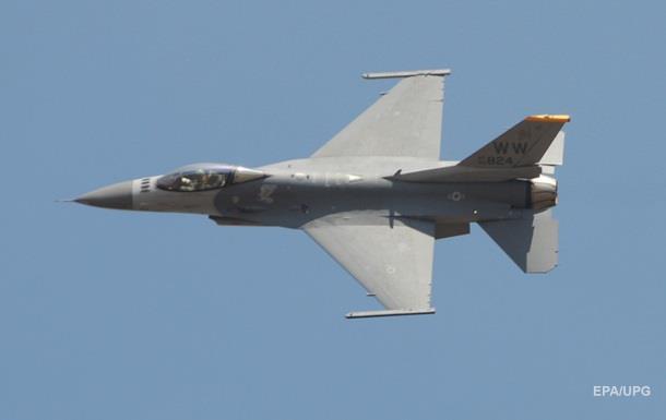 Ամերիկյան F-16 կործանիչ վնասվել է Աֆղանստանում թալիբների գնդակոծության հետևանքով