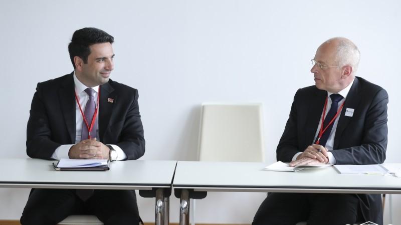 Ալեն Սիմոնյանը հանդիպել է  Նիդերլանդների Թագավորության Սենատի նախագահ Անտոնի Բրյունիին