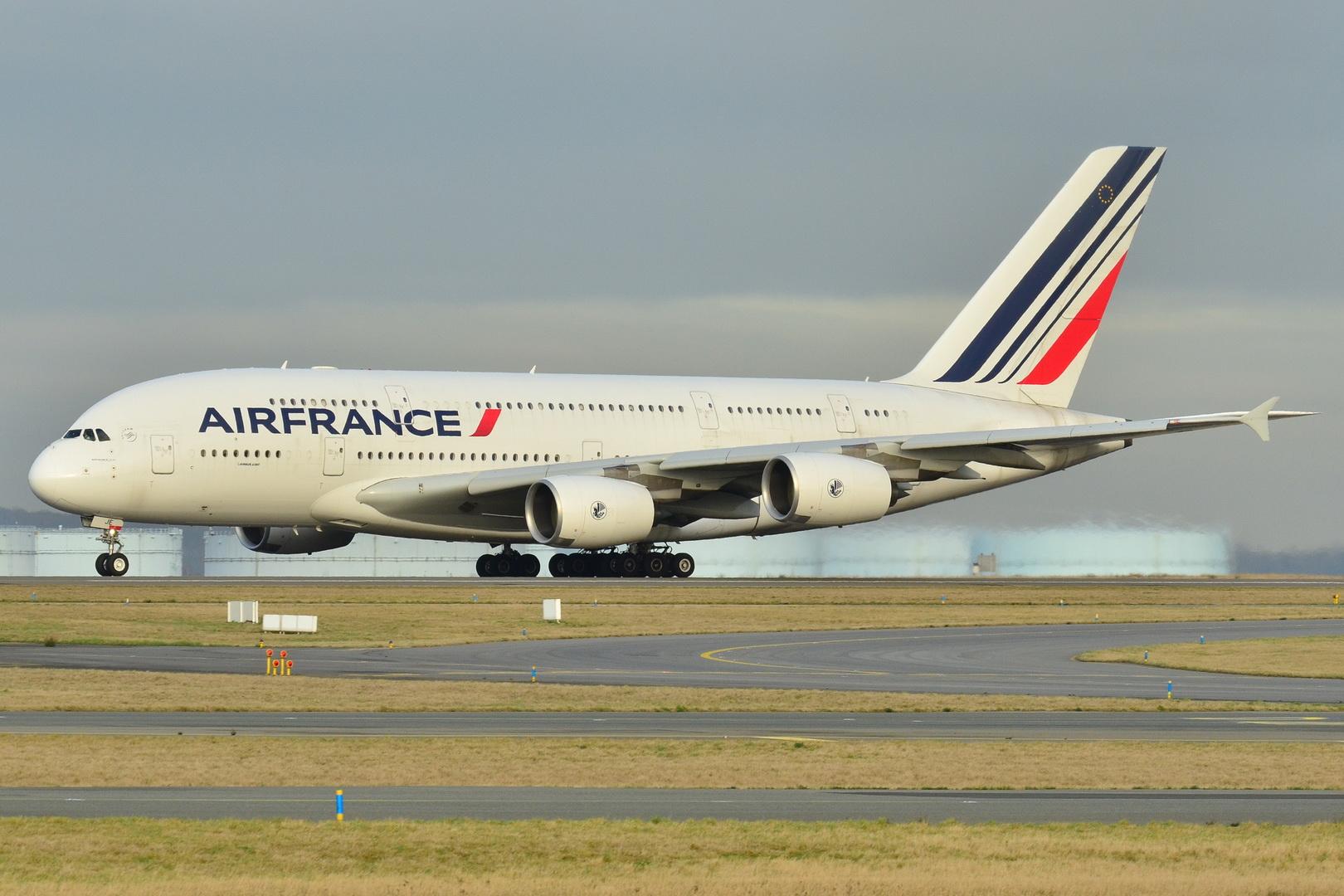 Փարիզում վայրէջք կատարած ինքնաթիռի մեջ երեխայի դի է հայտնաբերվել