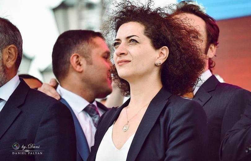 Կարենը ողջ առողջ է. Աննա Հակոբյանը խոսել է Ադրբեջանում գերեվարված Կարեն Ղազարյանի մոր հետ