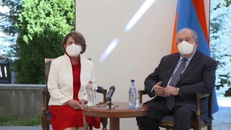 Արմեն և Նունե Սարգսյանները հանդիպել են Հայաստանում ՄԱԿ-ի Մանկական հիմնադրամի նորանշանակ ներկայացուցչի հետ