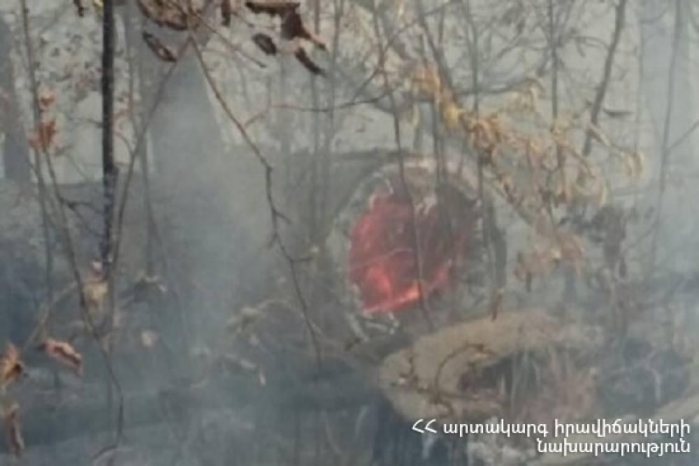 Գուգարք գյուղում նախօրեին բռնկված հրդեհը դեռ չի մարվել. Դեպքի վայր է մեկնել 7 մարտական հաշվարկ