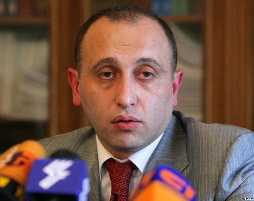 Մարտի 1-ի գործով քննչական խմբի ղեկավարը փախել է Հայաստանից. «Ժամանակ»