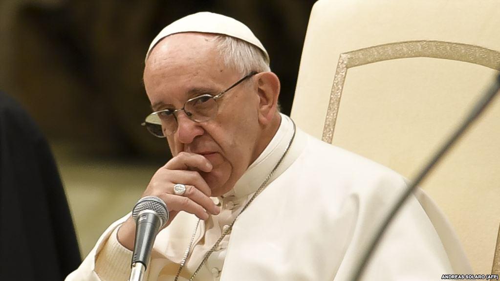 Հռոմի պապը դատապարտել է լրագրողներին ոչ ակտուալ նորությունների լուսաբանման համար