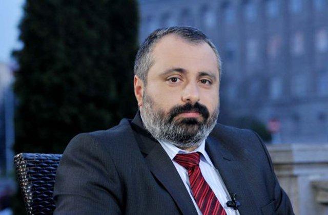 «Կա՛մ վախեցնում են, կա՛մ չգիտեմ՝ ինչ-ինչ նենգ նպատակներ ունեն». Դավիթ Բաբայանը՝ ադրբեջանական ստորաբաժանումների տեղաշարժման մասին