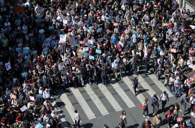 Փարիզում ցուցարարներին ցրելու համար ոստիկանությունը արցունքաբեր գազ է կիրառել