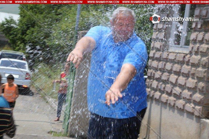 Նիկոլ Փաշինյանի դուստրերը ջրել են Վանաձորի քաղաքապետին
