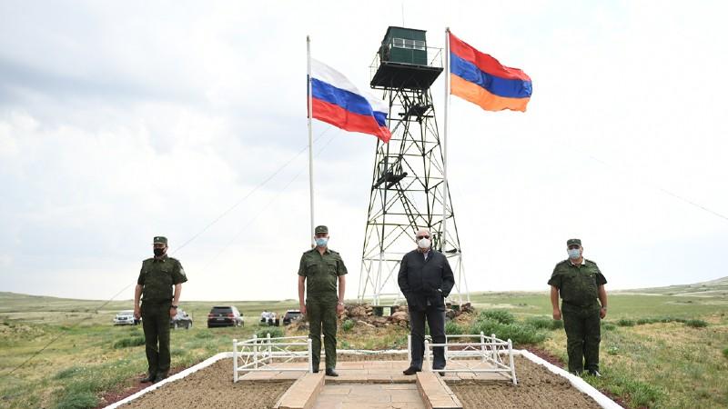 Սահմանին ծածանվող Հայաստանի և Ռուսաստանի պետական դրոշները մեր բարեկամական հարաբերությունների խորհրդանիշն են
