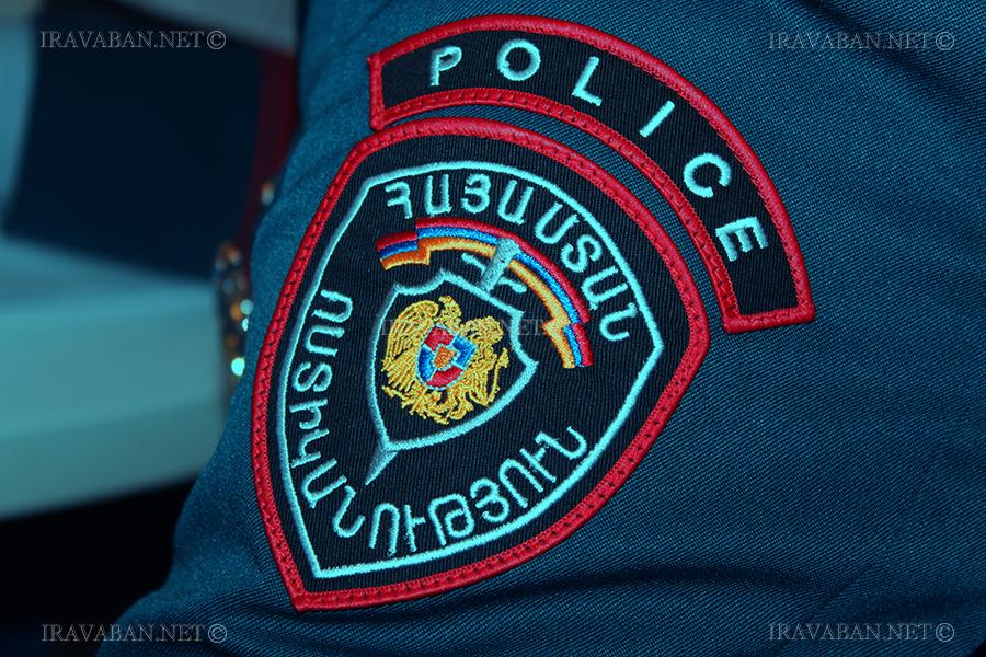 Ոստիկանության աշխատակիցը ավտոմեքենայի մեջ որպես կաշառք 500 ԱՄՆ դոլարի չափով գումարն ստանալուց անմիջապես հետո բերման է ենթարկվել ԱԱԾ և ձերբակալվել