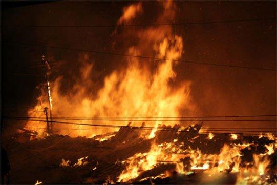 Էջմիածնում բռնկված հրդեհի հետևանքով այրվել է տներից մեկի տանիքը