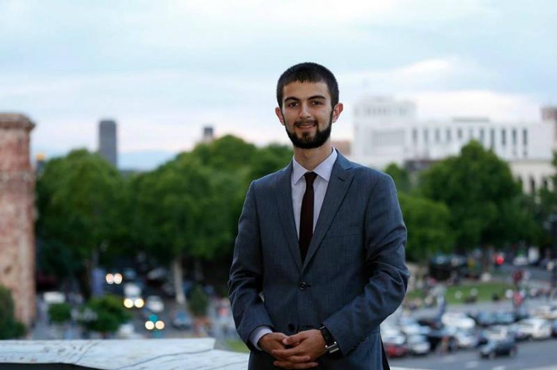 Տիգրան Ավինյանի օգնականն ազատվել է աշխատանքից
