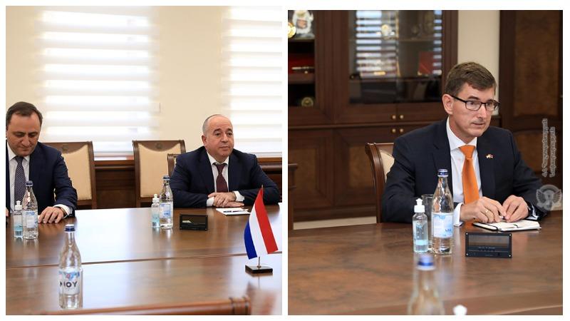 ՀՀ պաշտպանության նախարարը Նիդեռլանդների դեսպանին ներկայացրել է հայ-ադրբեջանական սահմանին տիրող իրավիճակը