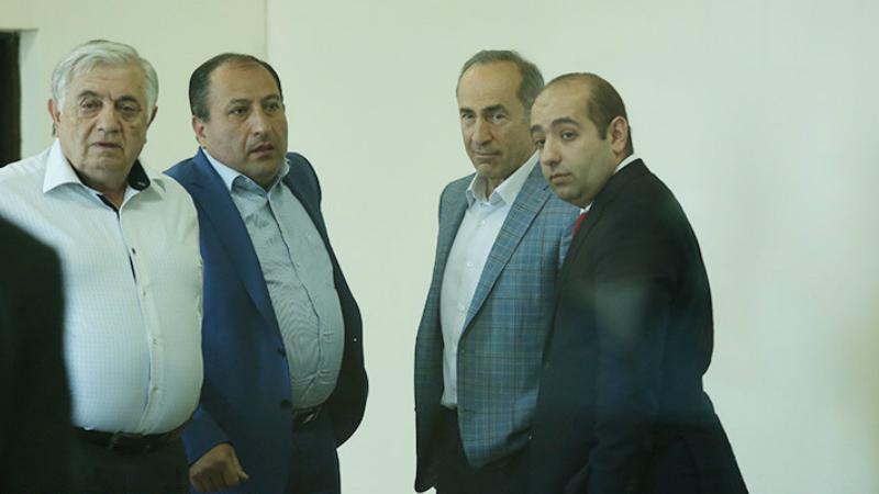 Դատարանը սանկցիա կիրառեց Քոչարյանի փաստաբանների նկատմամբ