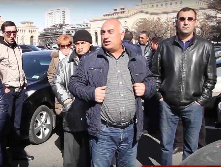 Դատապարտյալների հարազատները բողոքի ակցիա են կազմակերպել Կառավարության շենքի դիմաց