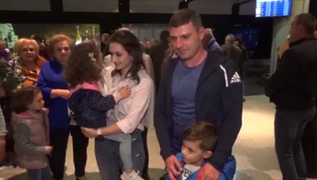 Անտոնյանների ընտանիքը ժամանեց Հայաստան