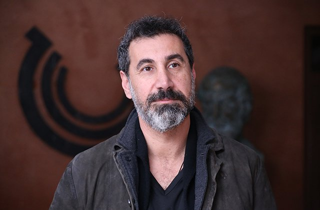 Սերժ Թանկյանը Փաշինյանին խոստացել է, որ կմտածի Հայաստանում մշտական բնակություն հաստատելու մասին