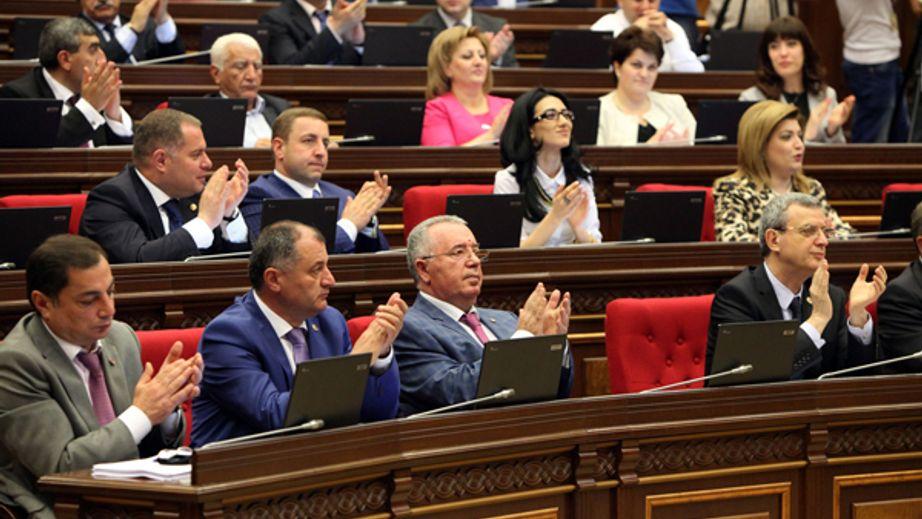 Լարված իրավիճակ  ԱԺ-ում. ՀՀԿ-ականները նիստից հետո անտրամադիր էին