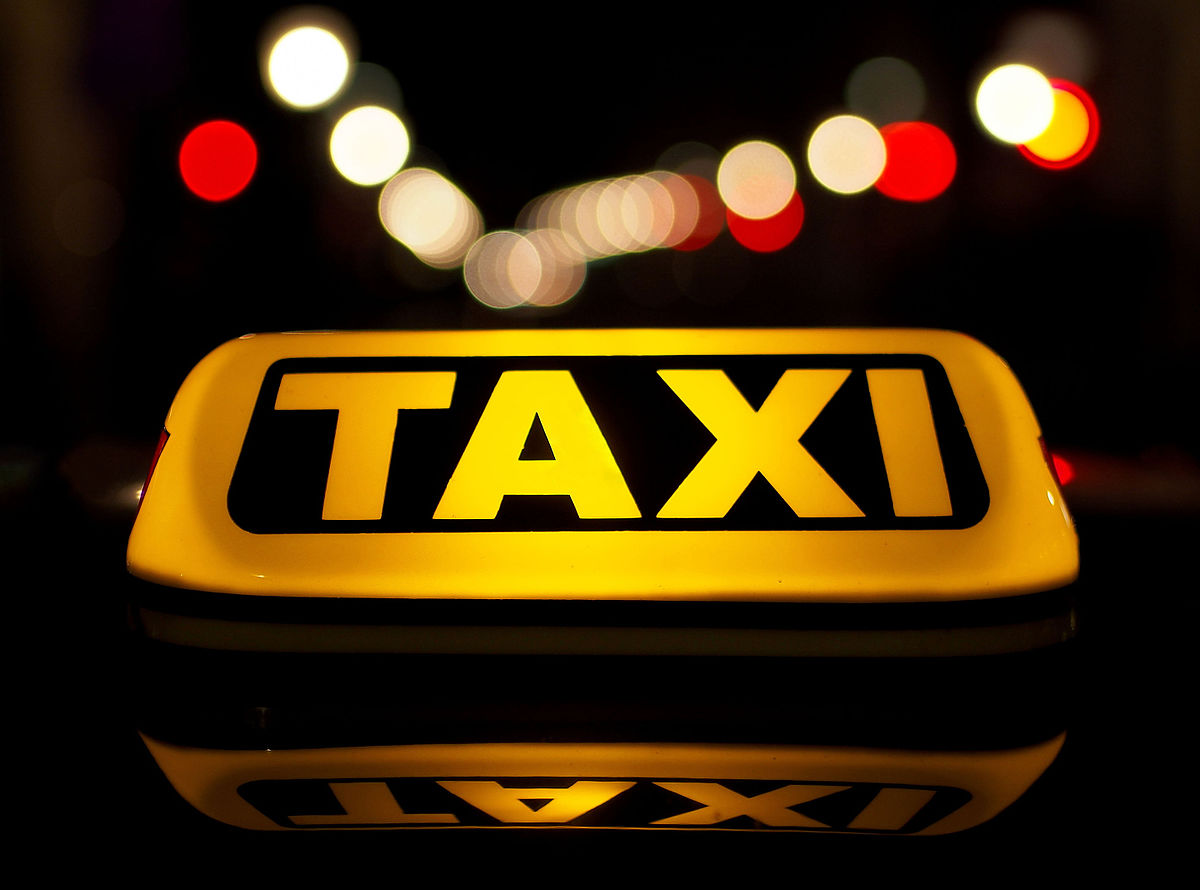 Հայաստանում տաքսու վարորդը Ղրղըզստանի քաղաքացուց խաբեությամբ գումար է շորթել