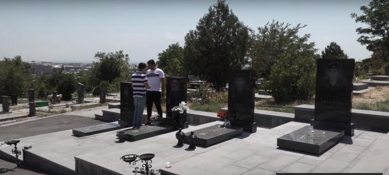 Համացանցից ենք իմացել, որ մեր որդիների գերեզմաները պղծել են․ ծնողներ