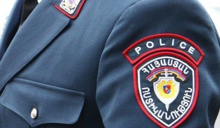 Ոստիկանի կոչումը յուրացնելու եղանակով քաղաքացուց խարդախությամբ խոշոր չափի գումարներ է հափշտակել