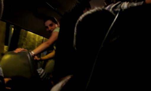 Գրգռված մի նստեք տրանսպորտ… խայտառակ դեպք երևանյան երթուղայիններից մեկում. (Տեսանյութ Մեծահասակների համար)