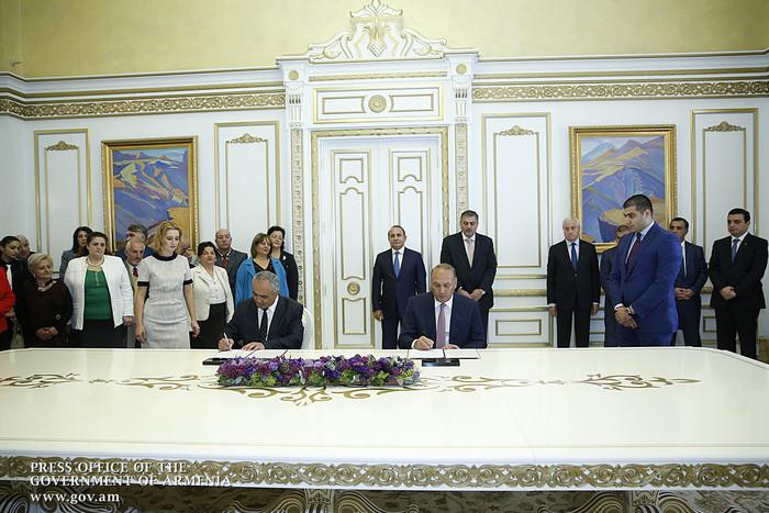 ՀՀ կառավարությունն ու Ռազմավարական ծրագրերի քաղաքացիական համագործակցության ցանցը ստորագրել են սոցիալական գործընկերության համաձայնագիր