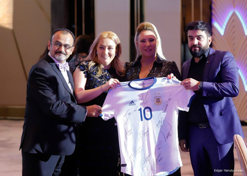 Արգենտինայի ազգային հավաքականի ֆուտբոլիստներն աջակցել են Աննա Հակոբյանի ղեկավարած հիմնադրամին