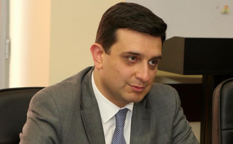 «Жаманак»: Армен Мурадян начал кадровую чистку в медицинском университете