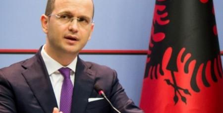 Ալբանիայի ԱԳ նախարարը ԼՂ-ում իրավիճակի խաղաղ լուծումը հրամայական է համարում