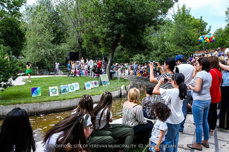 Երևանյան ամառ 2018. բնասիրական դիմակահանդես՝ Սիրահարների այգում
