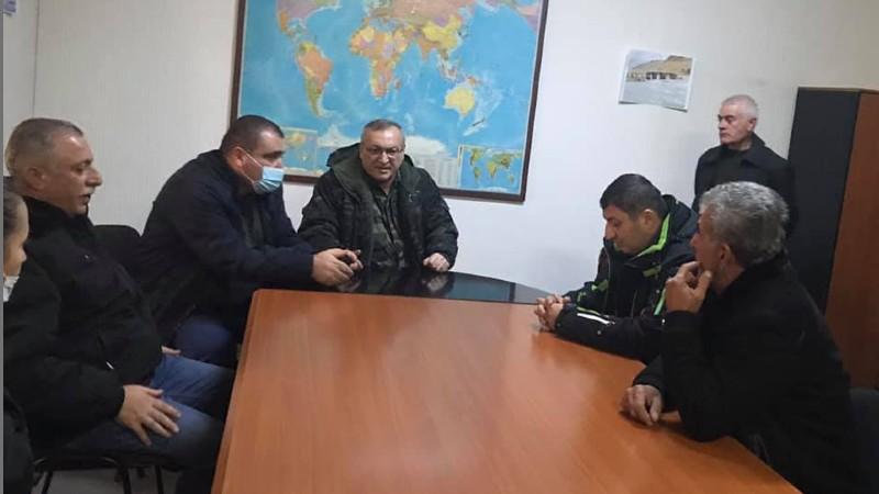 ԱՀ ԱԺ նախագահը քննարկել է Ադրբեջանի վերահսկողության տակ անցած տարածքների բնակիչների խնդիրները