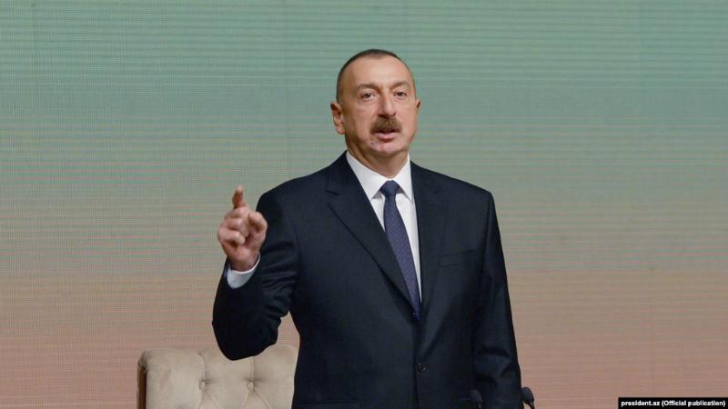 Ալիևն Ադրբեջանի ԶՈՒ «մարտունակության բարձրացման» համար երկրի ՊՆ ղեկավարին Փառքի շքանշանով է պարգևատրել
