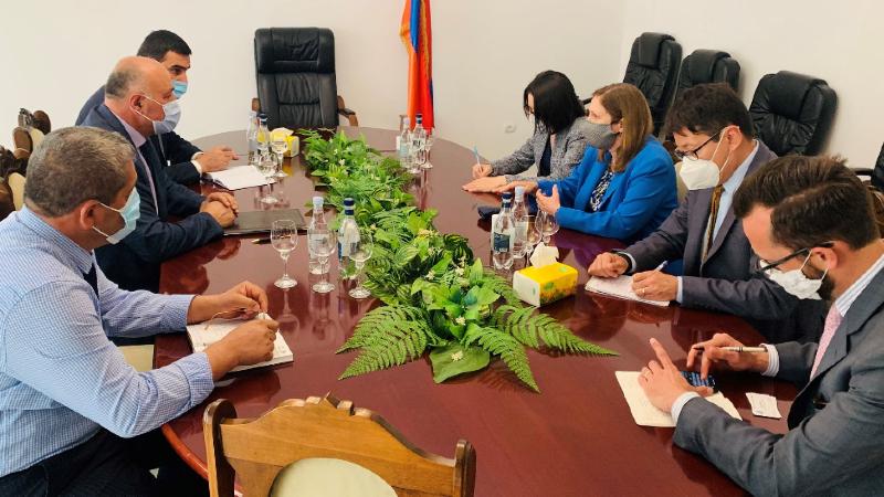ԱՄՆ դեսպանը հանդիպել է Սյունիքի մարզպետի, Մեղրիի, Գորիսի և Սիսիանի քաղաքապետերի հետ (լուսանկարներ)