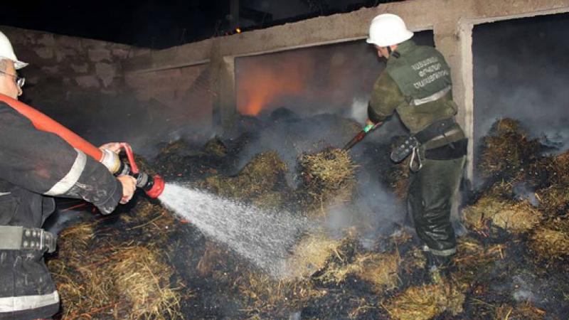 Հրդեհ Արևաշատ գյուղում․ այրվել է մոտ 2500 հակ անասնակեր