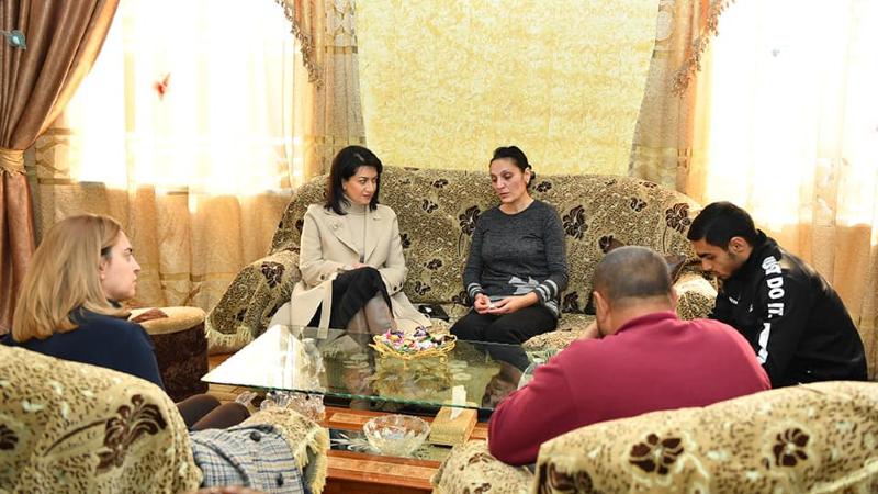 Լենա Նազարյանի հետ այցելեցինք պատերազմում անմահացած Խաչատուր Աղաջանյանի ընտանիքին․ Աննա Հակոբյան (լուսանկարներ)