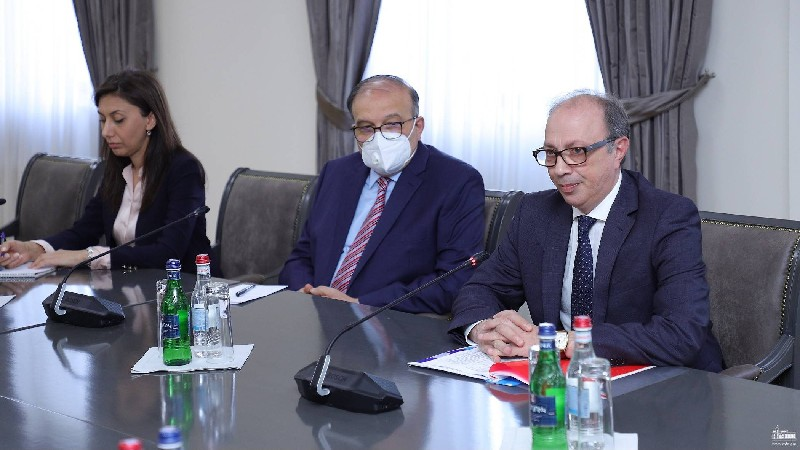Արա Այվազյանը հանդիպել է Իրաքի խորհրդարանի մշտական հանձնաժողովի նախագահի հետ