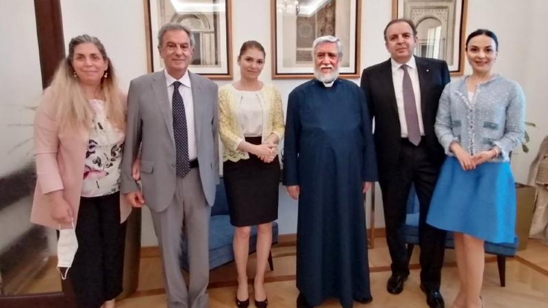 Արամ Ա-ն այցելել է Վատիկանում Հայաստանի դեսպանատուն