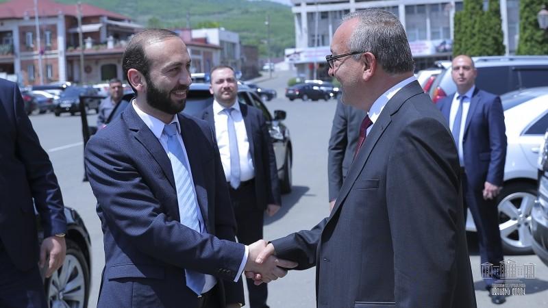 Արարատ Միրզոյանը Ստեփանակերտում հանդիպել է Արցախի ԱԺ նորընտիր նախագահ Արթուր Թովմասյանի հետ