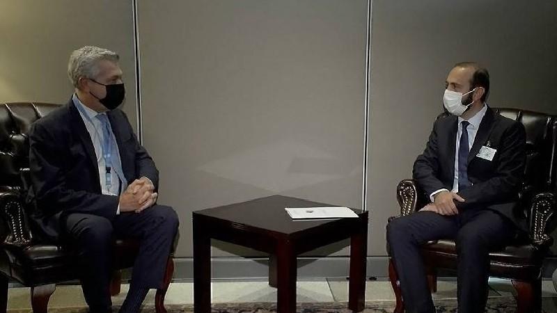 Արարատ Միրզոյանը ՄԱԿ հանձնակատարի հետ խոսել է տեղահանված արցախահայության խնդիրներից (տեսանյութ)