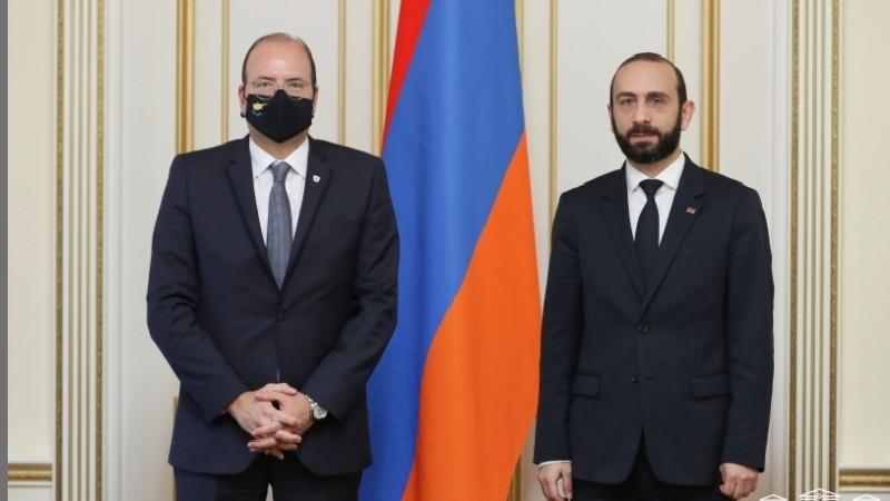 ԱԺ նախագահն ու Կիպրոսի պաշտպանության նախարարն անդրադարձել են ԼՂ-ում թուրք-ադրբեջանական ագրեսիային