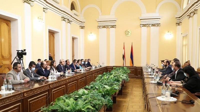 Ադրբեջանը չի կատարում ռազմագերիներին և այլ պահվող անձանց վերադարձնելու իր պարտավորությունը. ՀՀ ԱԺ նախագահը՝ իրաքցի պաշտոնյային