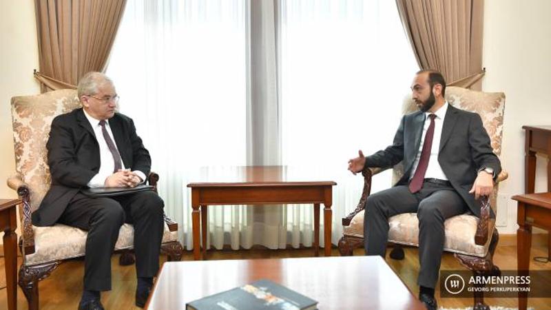 ԵԱՀԿ Մինսկի խմբի ռուս համանախագահը Երևանում հանդիպել է Արարատ Միրզոյանի հետ